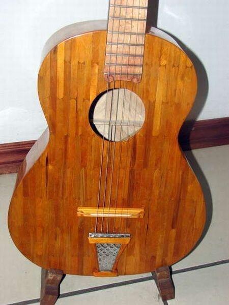 Гитара из палочек для мороженого (15 фото)