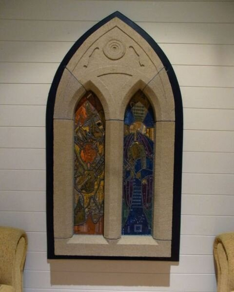 Окно из материнских плат (4 фото)