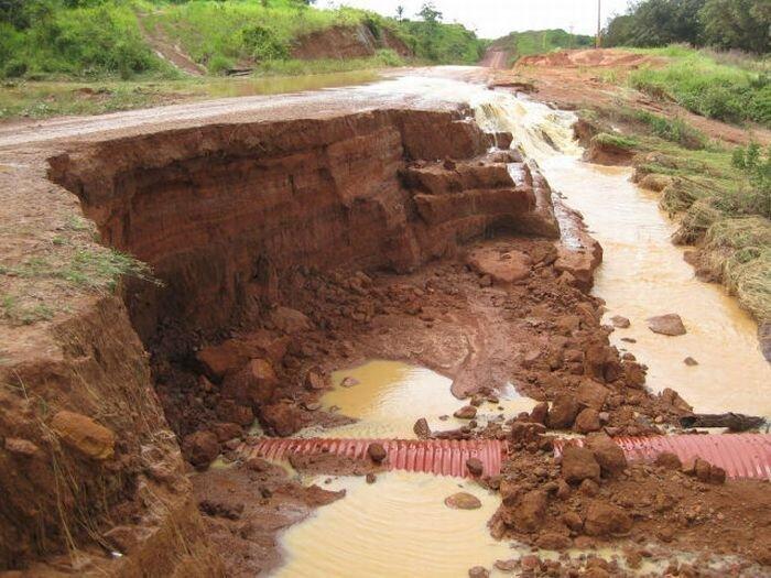 Трансамазонская магистраль в Бразилии. Жесть. (65 фото)