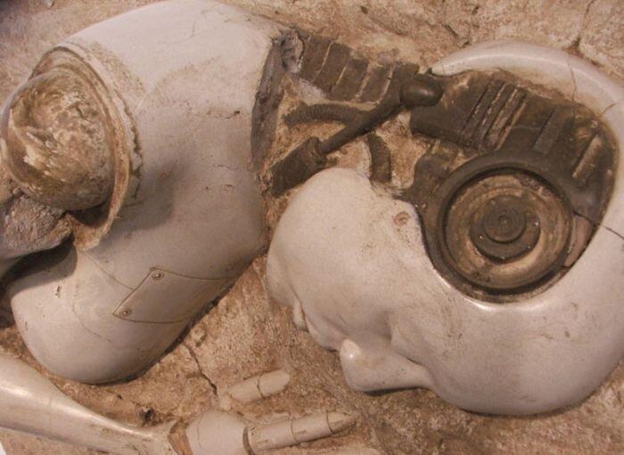 Что можно раскопать через 2000 лет (10 фото)