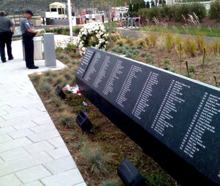 Мемориал возле Пентагона (12 фото)