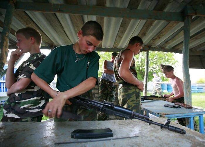 Военный лагерь для мальчиков под Ставрополем (12 фото)