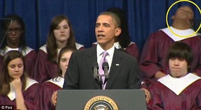 Скучная речь президента Обамы (7 фото)