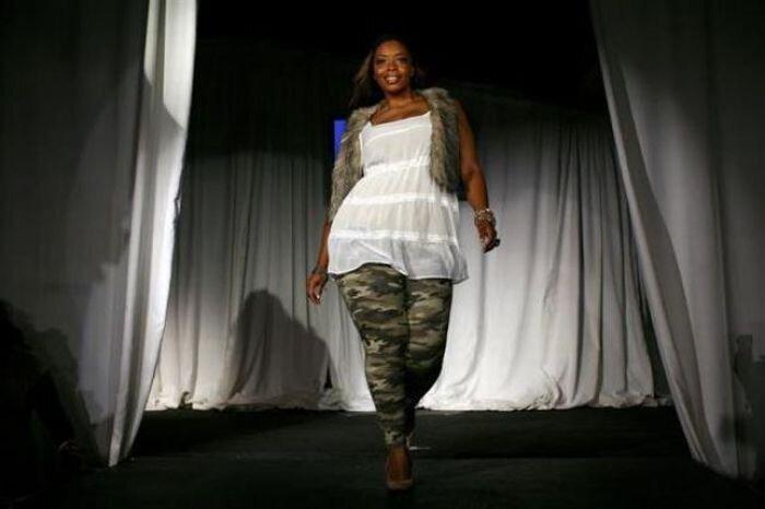 Неделя моды для полных женщин в Нью-Йорке (14 фото)