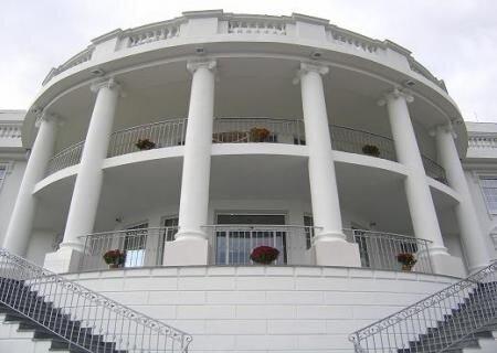 Белый дом на Украине (10 фото)