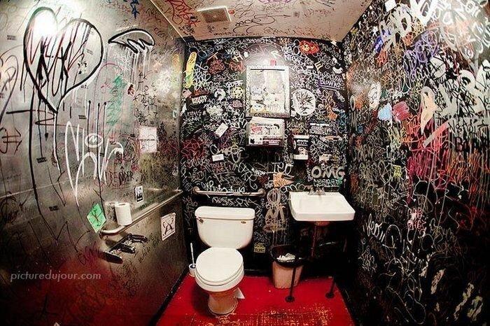 Живопись в туалетах (51 фото)