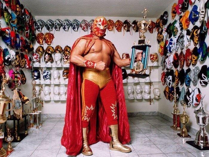 Мексиканские рестлеры (15 фото)