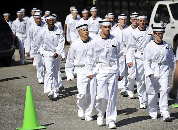 Летний призыв в военно-морской академии (12 фото)