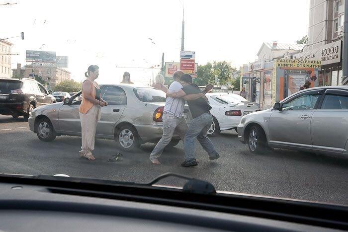 Встреча старых друзей на дороге (13 фото) за 12 июля 2010
