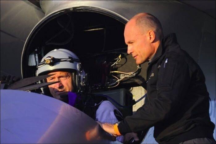 Первый в мире аэроплан на солнечных батареях (13 фото)