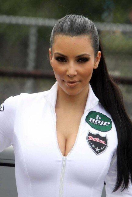 Ким Кардашьян для рекламы Bullron (15 фото)