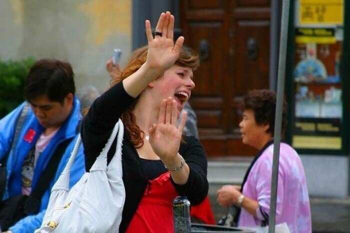 Народ фотографируется с Пизанской башней (7 фото)