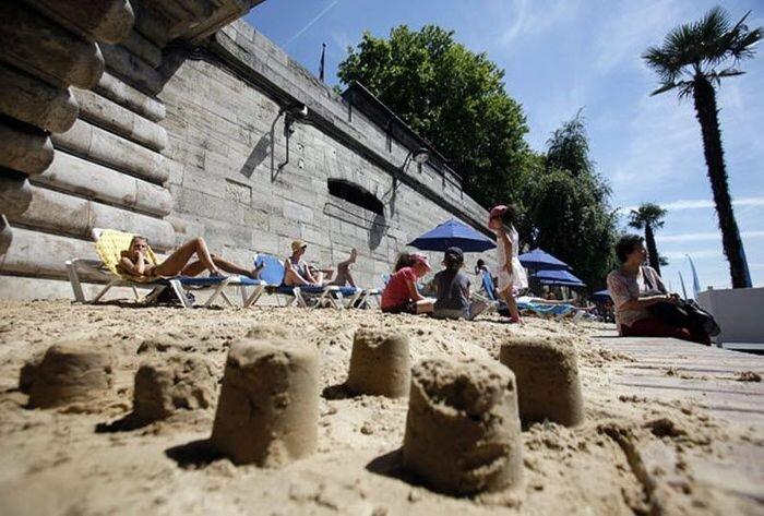 В Париже появляются искусственные пляжи (11 фото)