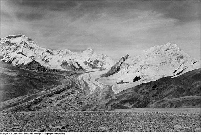 Ледяные реки в Гималаях  (7 фото)