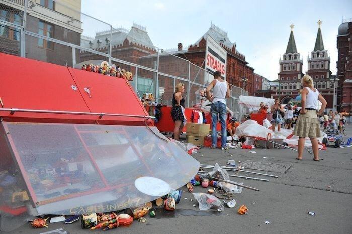 На Красной площади прошел ураган (11 фото)
