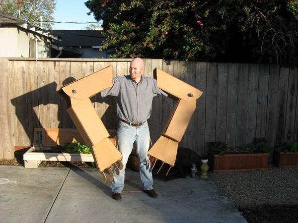 Картонные руки робота (4 фото)
