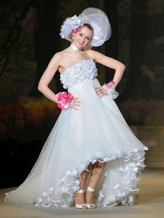 Прикольные свадебные платья (18 фото)