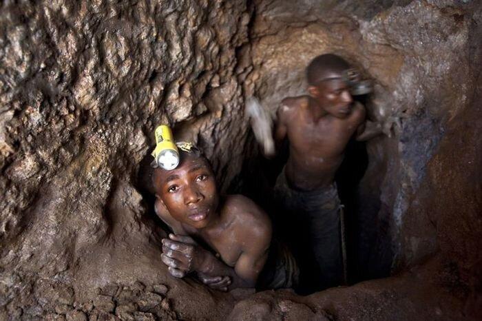 Работа на рудниках в Конго (21 фото)