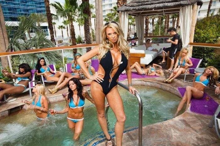 Девушки VIP-хостесс в Лас-Вегасе (10 фото)
