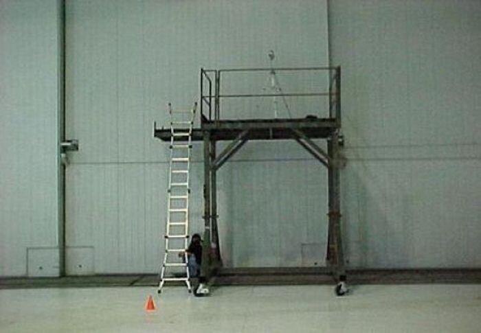 Тестирование системы пожаротушения самолетов (11 фото)