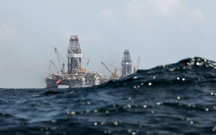 Утечка в заливе устранена (42 фото)