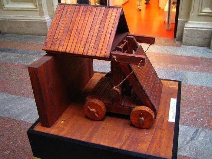Выставка Леонардо да Винчи в ГУМе (23 фото)