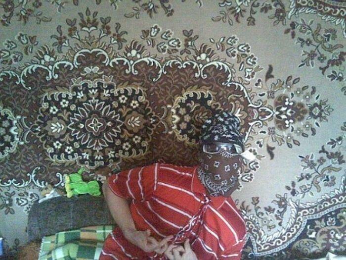 Крутые рэпперы на фоне ковров (13 фото)