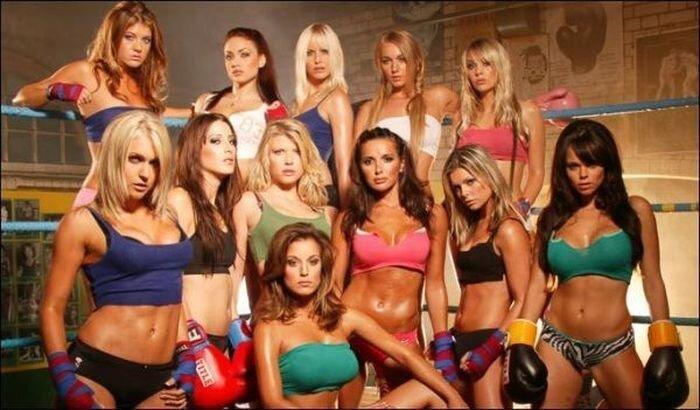 Сексуальные девушки в боксерских перчатках (52 фото)