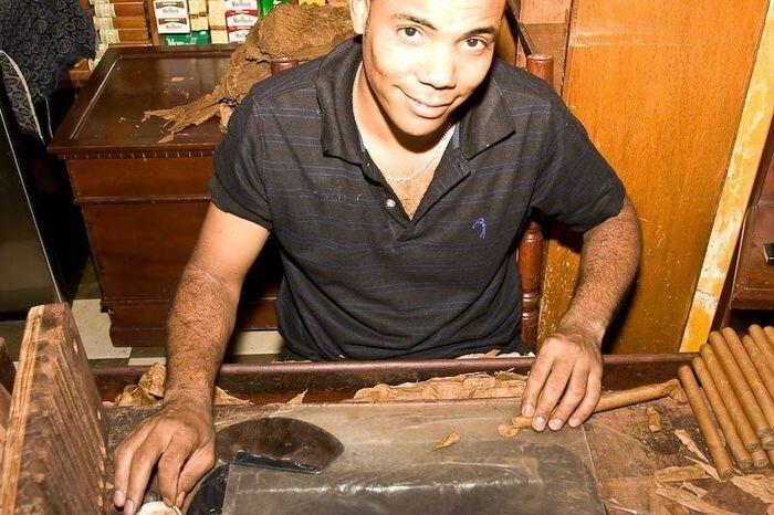 Доминикана: как делают сигары (36 фото)