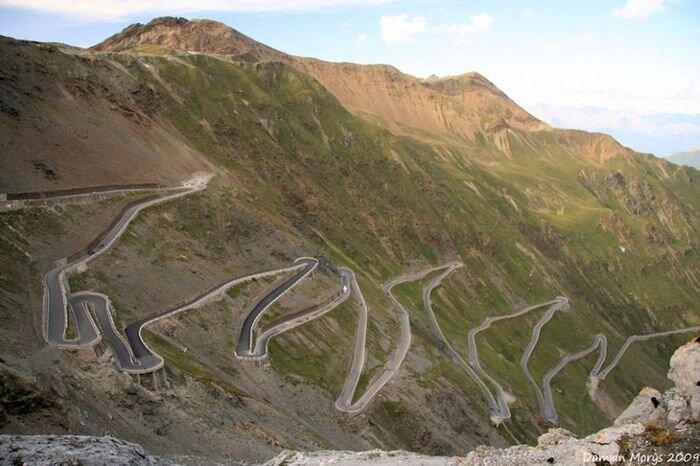 Самые удивительные и опасные дороги в мире (41 фото)