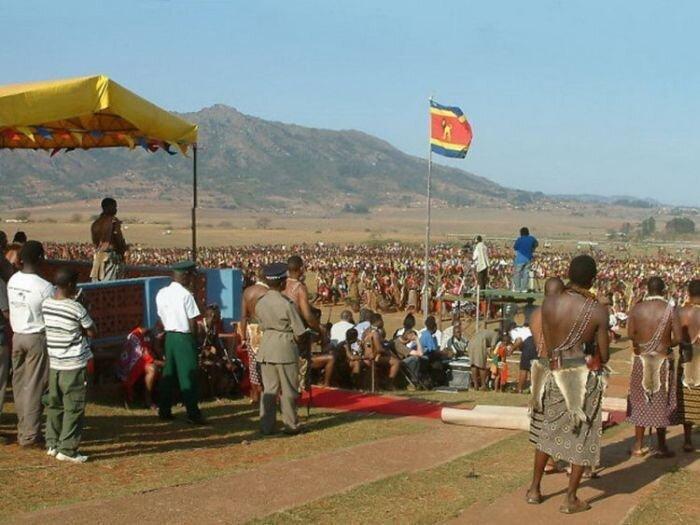 60 тысяч девственниц для короля Свазиленда (20 фото НЮ)