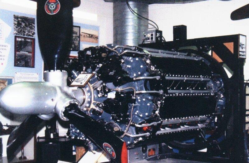 Почему авиационный поршневой двигатель уступил реактивному