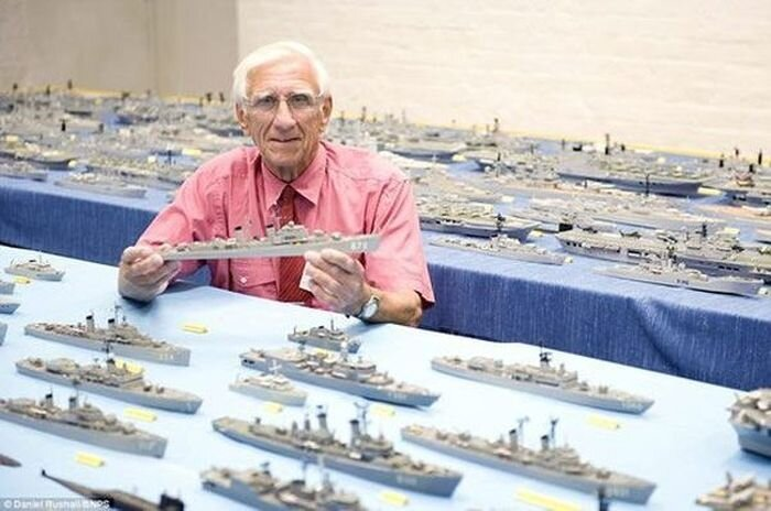 Огромная коллекция моделей кораблей (8 фото)