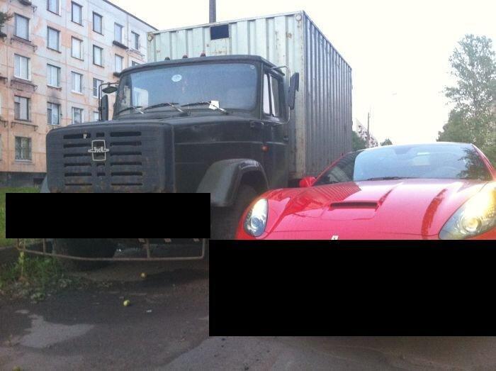 Дальние родственники ЗИЛ и Ferrari (6 фото)