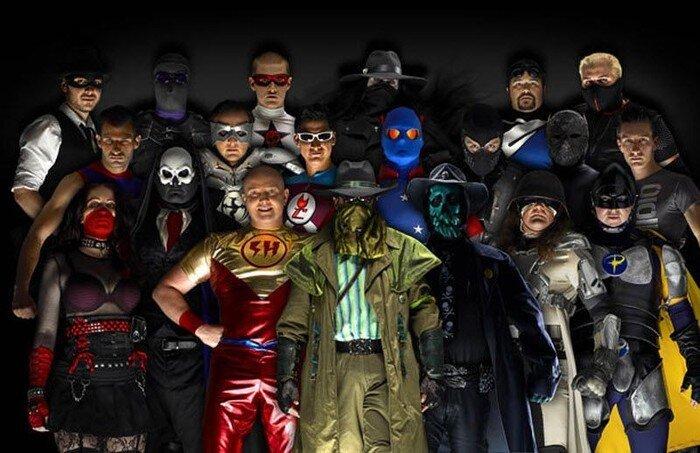 Реальные супергерои (22 фото)