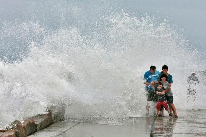 Ураган Эрл надвигается на штат Массачусетс (28 фото)