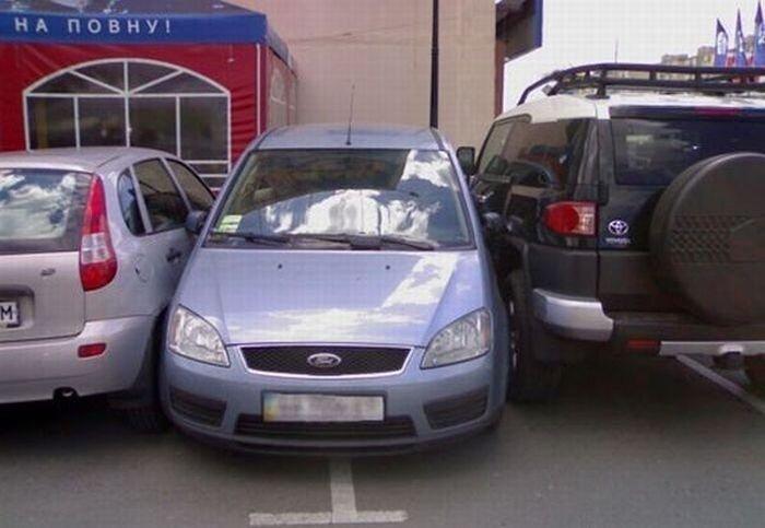 Парковка в ограниченном пространстве (7 фото)