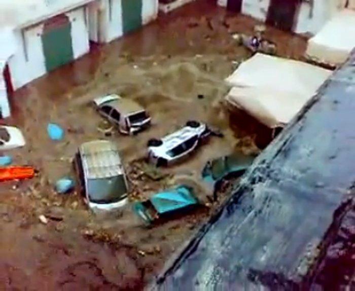 Адское наводнение в Италии (2 видео)
