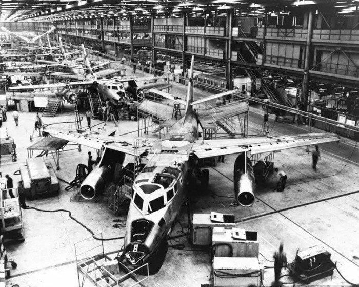 Boeing снесет знаменитый завод (28 фото)
