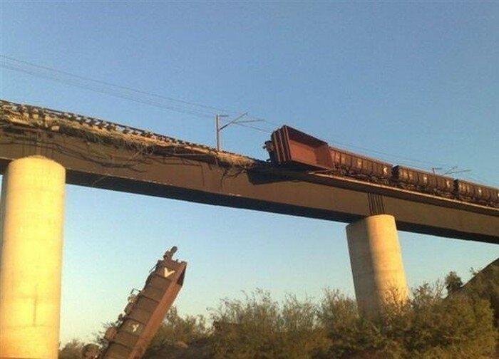 Крушение поезда (16 фото)