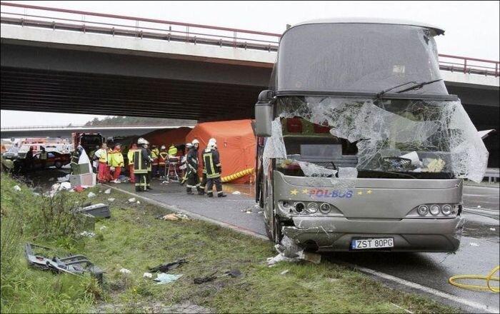В Германии разбился автобус с польскими туристами (8 фото+видео)