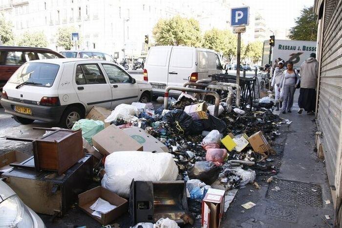 Во Франции протестуют против пенсионной реформы (30 фото)
