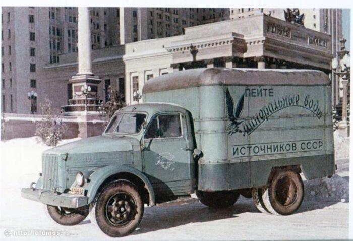 Советская реклама на грузовиках (7 фото)