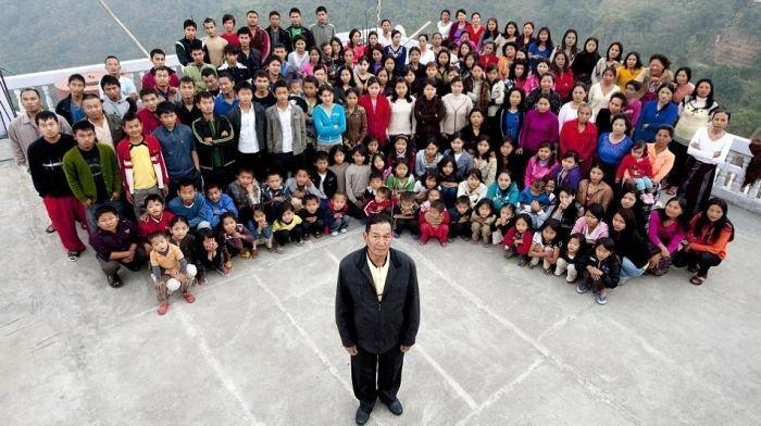 Самая большая семья на планете живет в Индии (5 фото)