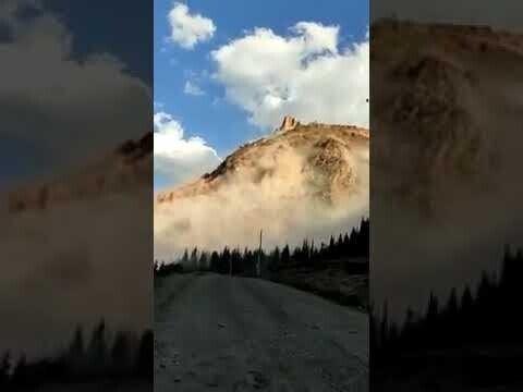 В Киргизии гора сползла в ущелье на глазах у шахтёров