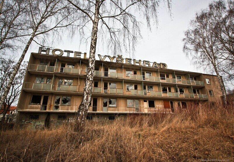 """Чехия, заброшенный отель """"Вышеград"""" под Крумловым"""