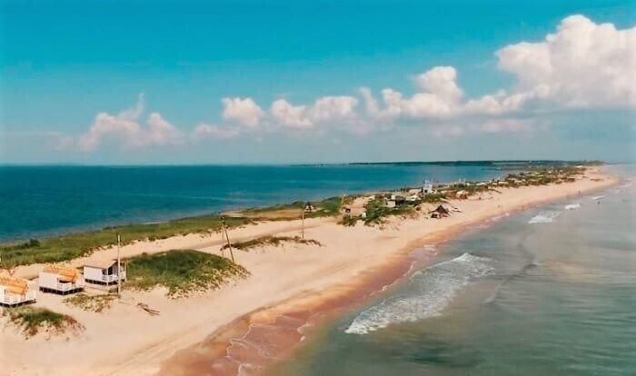 Где дешевый отдых на море в России?