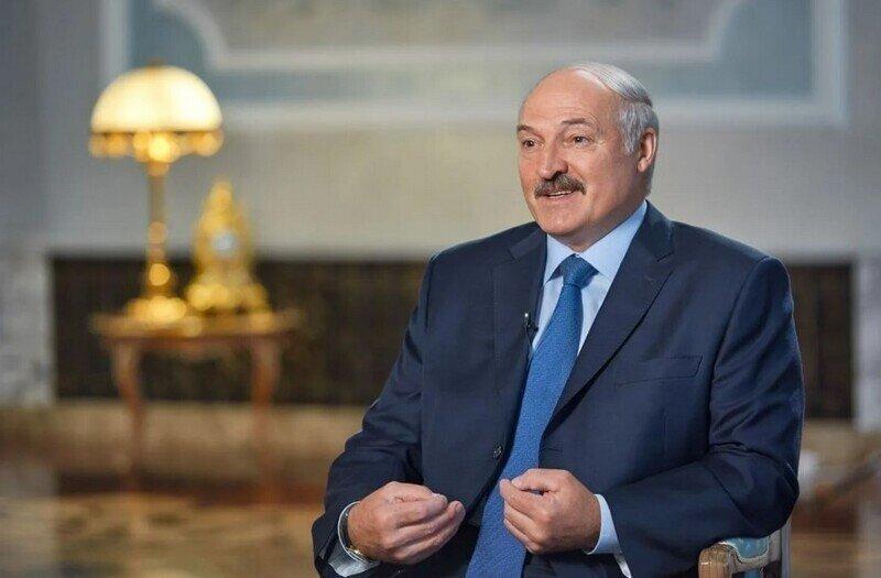 На Западе надрываются, решая, как наказать Лукашенко, а он летит в Россию