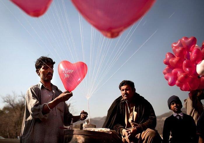 Мир отпраздновал День святого Валентина (22 фото)