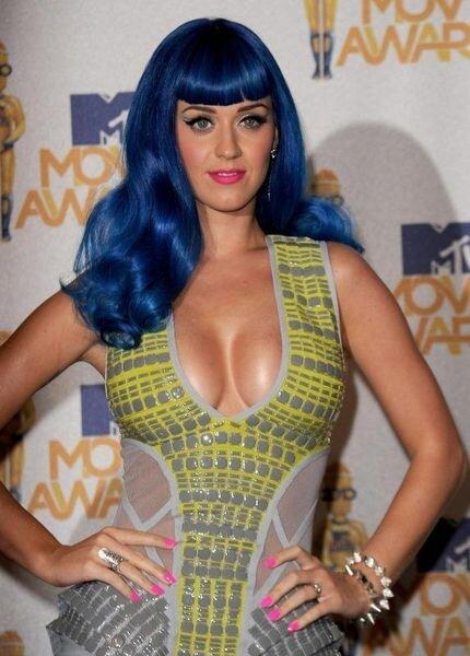 Katy Perry - MTV Movie Awards (14 фото)